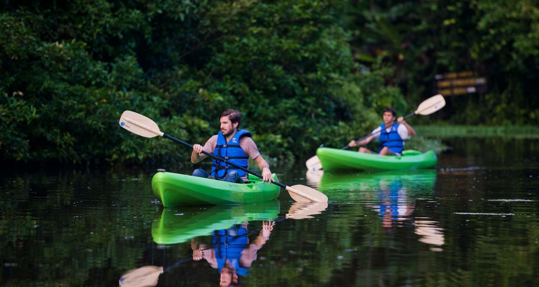 3---Kayaking-at-Tortuguero-National-Park